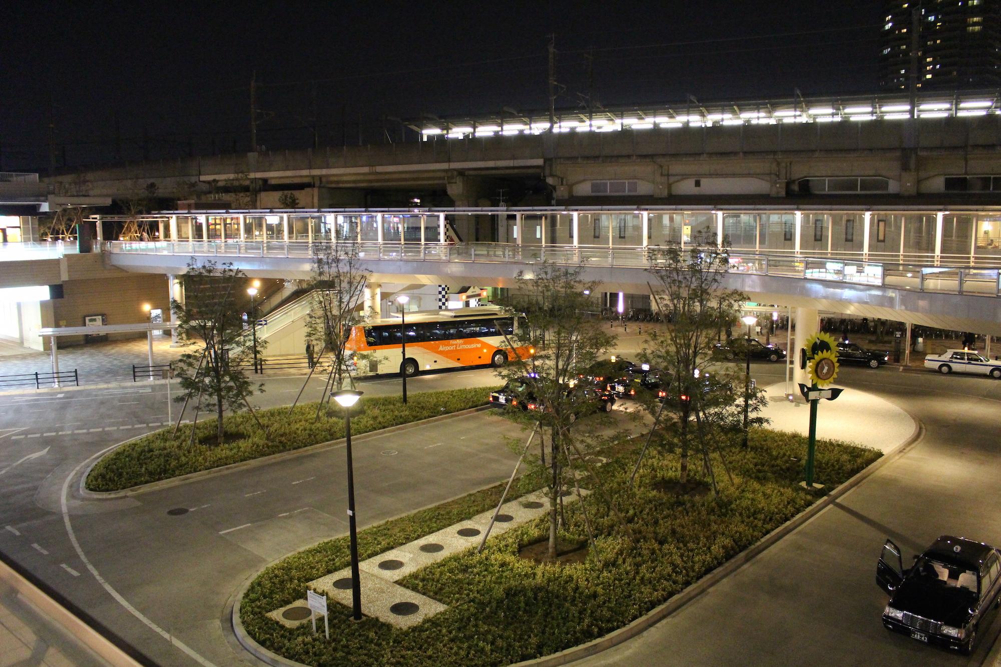 武蔵浦和駅西口ロータリーの様子