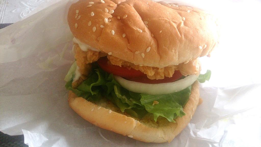 ラテラチキンのハンバーガー