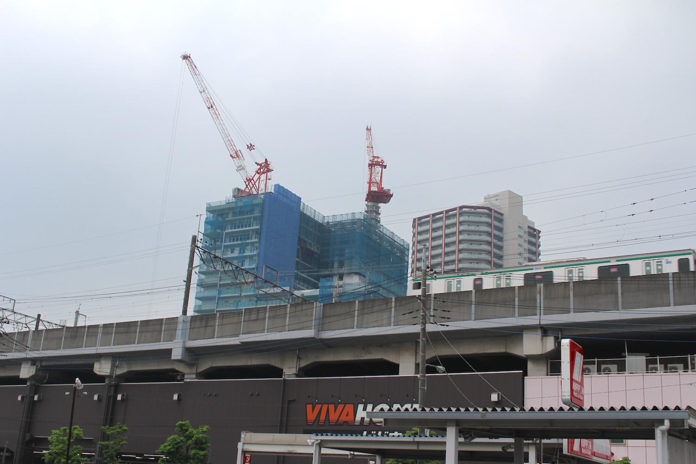 東口から見た武蔵浦和SKY&GARDEN