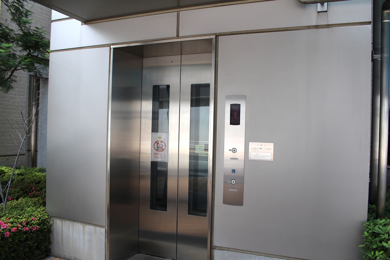 エレベーター(プラウドタワー武蔵浦和ガーデン裏)