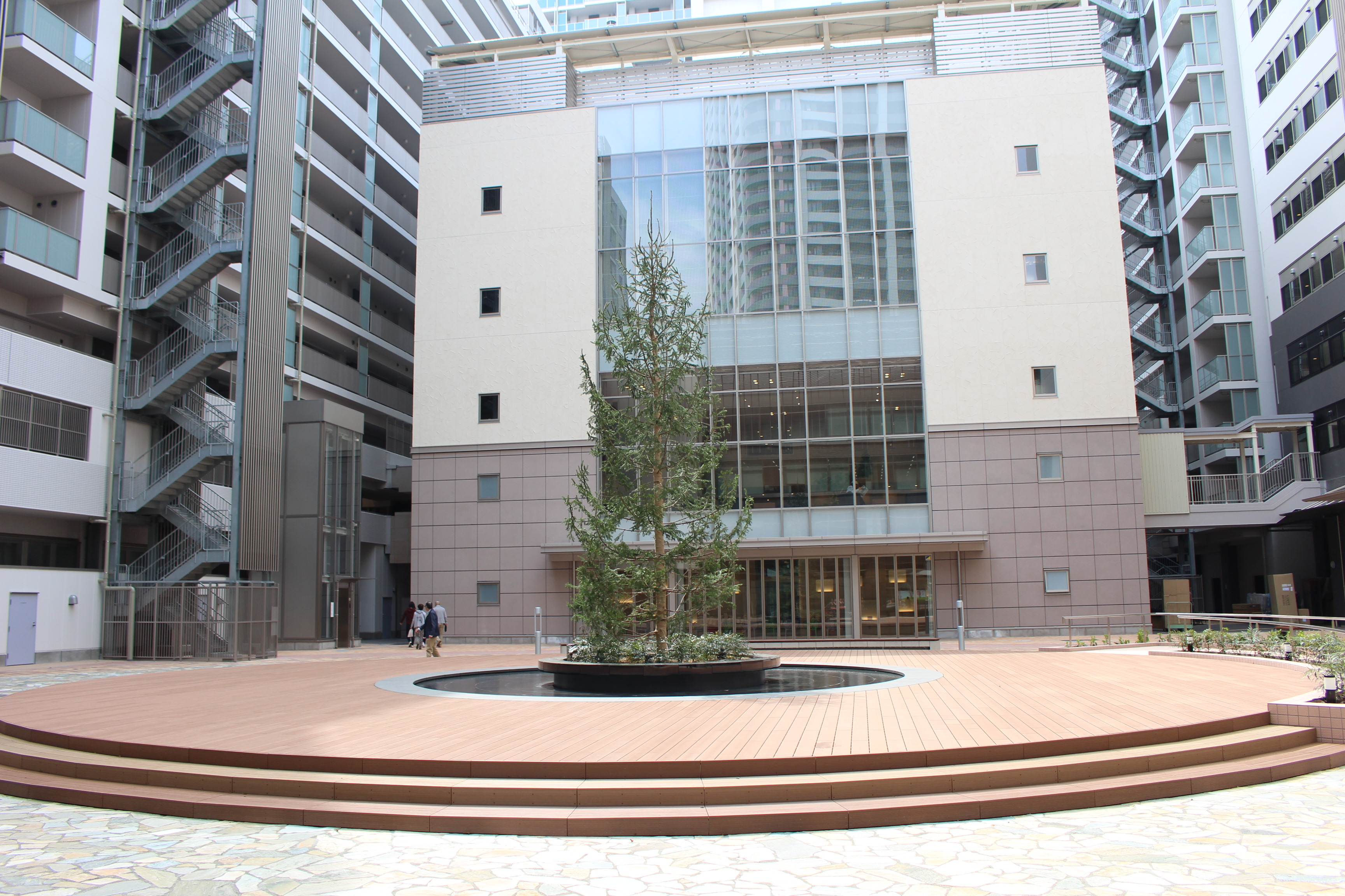 OASIS COURT