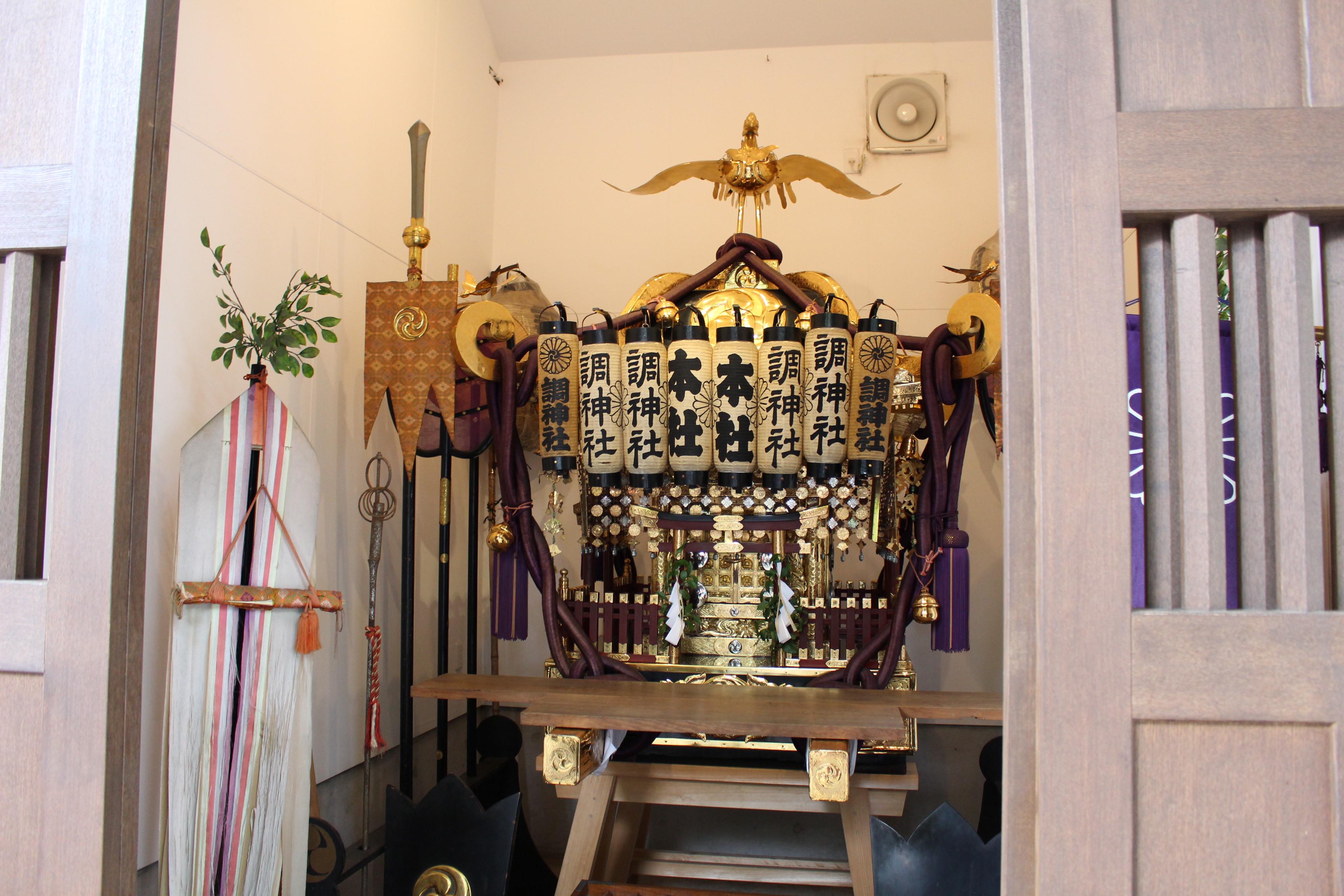 調神社のお神輿