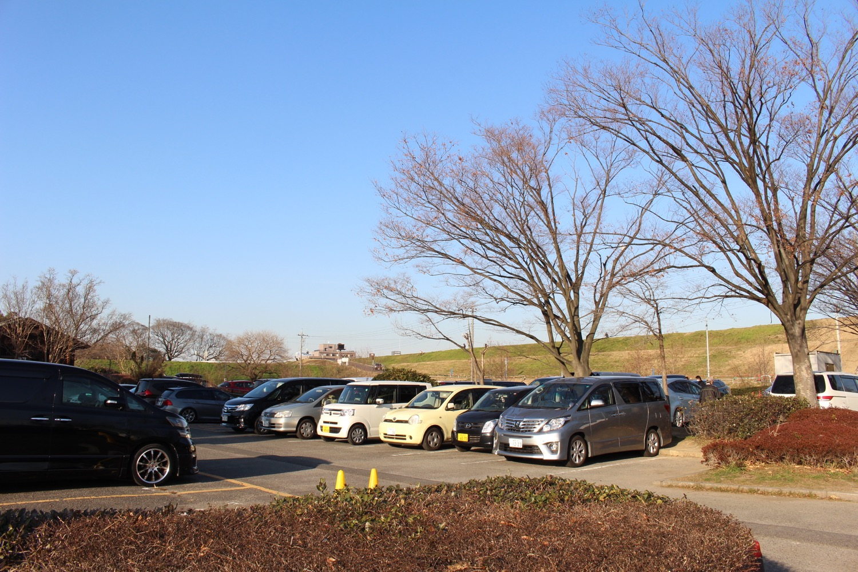 中央1駐車場